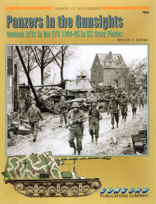 PANZERS IN THE GUNSIGHTS (ARMOR AT WAR SERIES 7055)